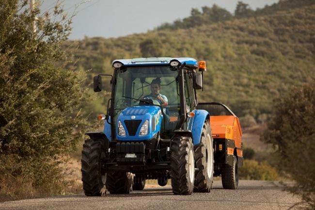 newhollandtt4traktor